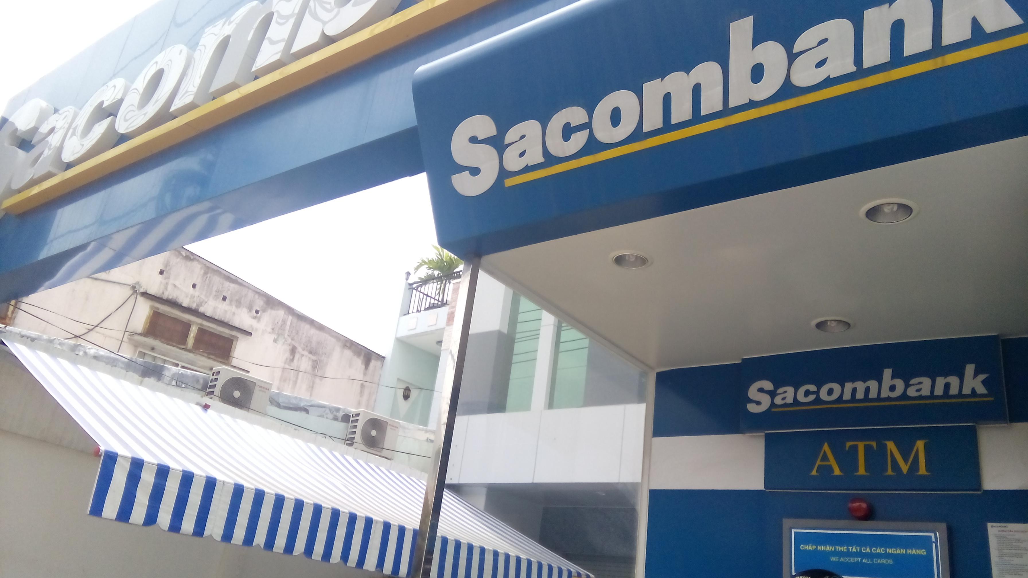 Mái hiên di động Sacombank quận 7